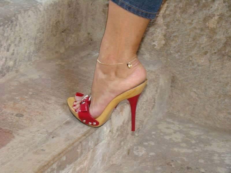 zoccoli-tacco-rosso