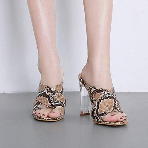 sandali con tacco trasparente