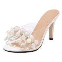 Sandali trasparenti e bianchi