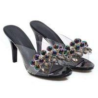 Sandali trasparenti e neri