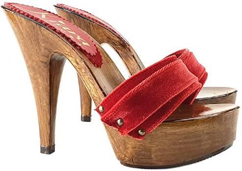 zoccoli in velluto rosso
