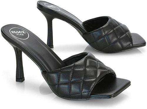 sandali trapuntati neri con punta squadrata