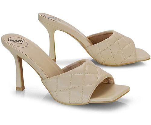 sandali trapuntati alla moda e punta quadra