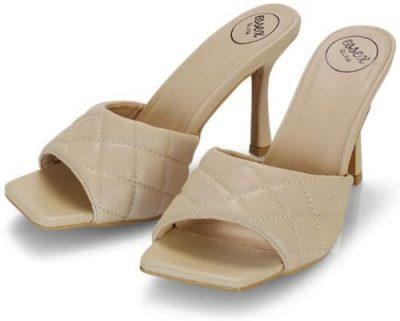 sandali trapuntati marroni e tacco 9
