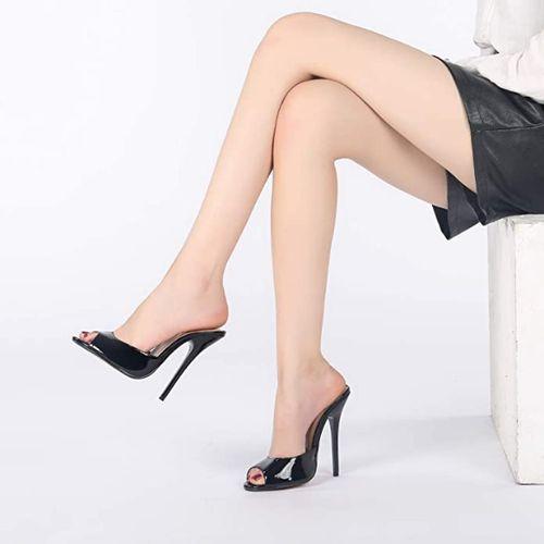 sandali sexy aperti sulle caviglie