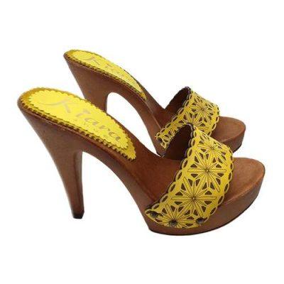 zoccoli gialli