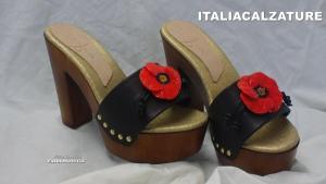 zoccoli con fiore
