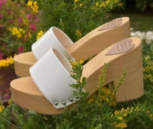 zoccoli in vero legno