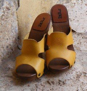 zoccolo-sole-giallo